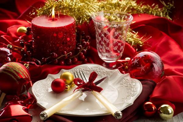 Новогодний стол: меню и сервировка.