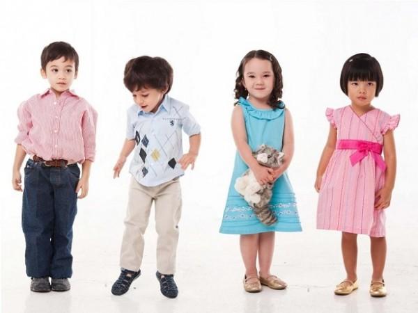 Детская одежда: чему отдать предпочтение?